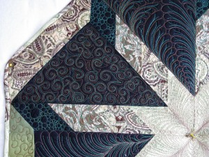 front-of-quilt-swirls