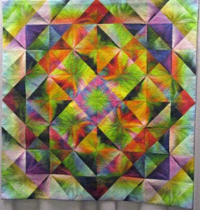 blushing-triangles-4-full-quilt