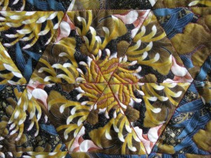 Jennie quilt flower closeup